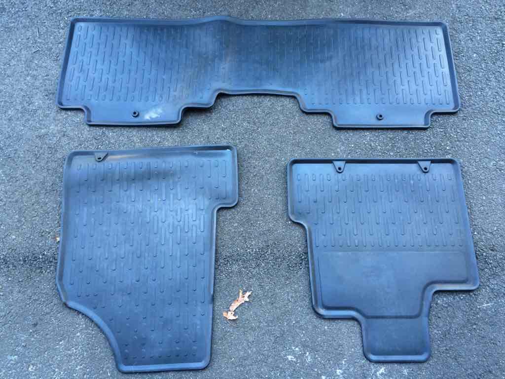 Floor mats honda ridgeline -