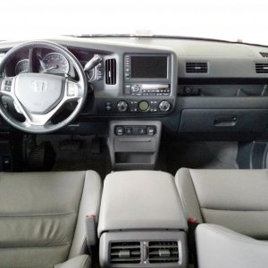 2009-2014 RTL with GPS Navigation interior